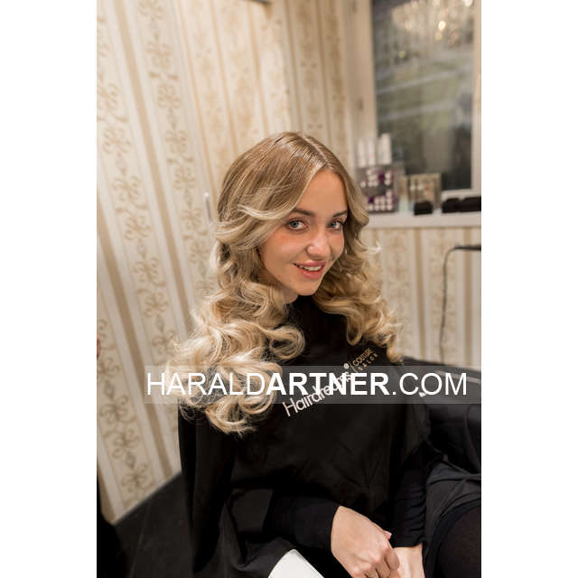 Hairstyling Cathy Lugner @ Hairdreams - Berarbeitet_HA1_0121.jpg